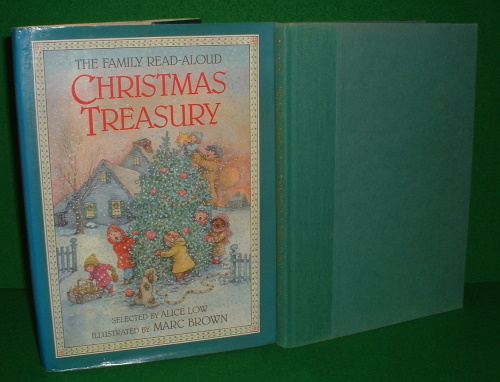 Image for THE FAMILY READ ALOUD CHRISTMAS TREASURY